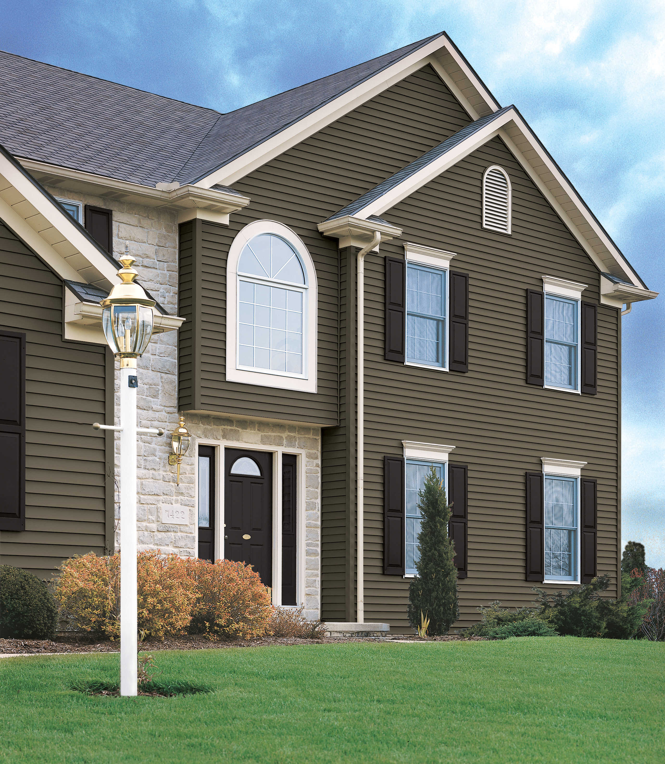 Dark Vinyl Siding Color Combinations
